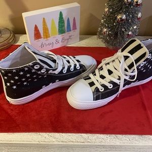 NWOT USA Flag Hi-top Sneakers